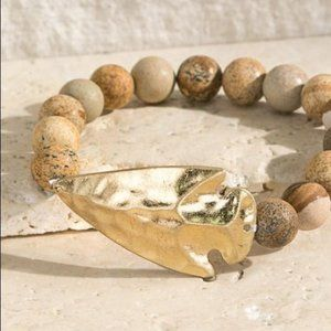 WHERE IT BEGINS HAMMERED ARROW STONE BRACELET